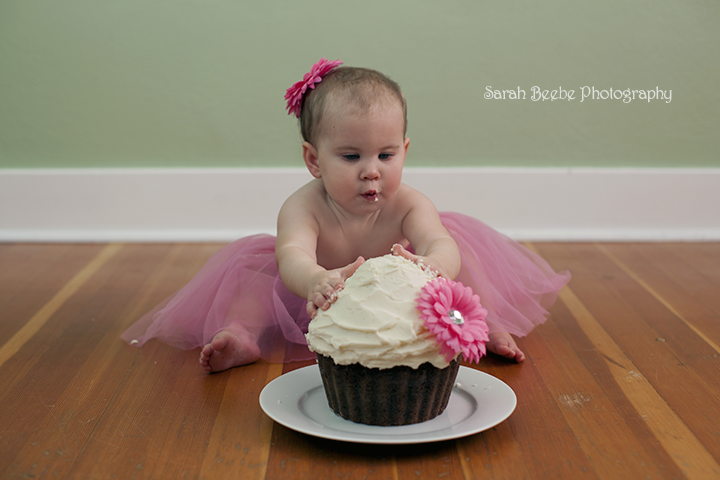 Cake Smash Fun For 1 Year Old Baby A Sarah Beebe Photography