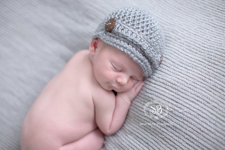 Newborn Snuggles in Kelowna SBP Studio April 2015