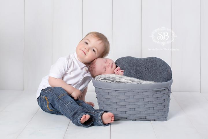 Newborn Snuggles in Kelowna SBP Studio April 2015