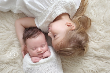 Newborn Girl in Kelowna SBP Studio June 2015 with Big Sister Snuggles